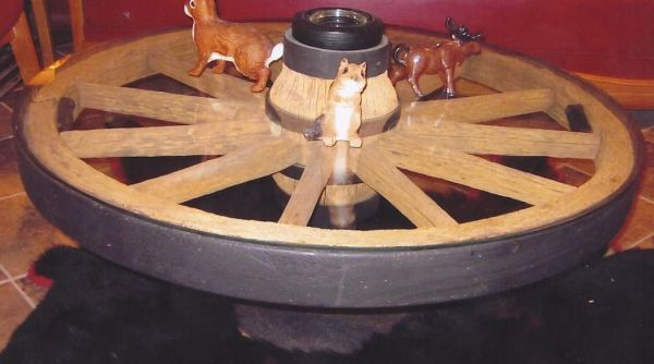 COWBOY ANTIQUE AUTHENTIC WAGON WHEEL COFFEE TABLE IN MN | Cowboy Classics