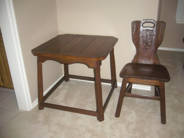 TABLE WITH CHAIR (ITEM 2651)